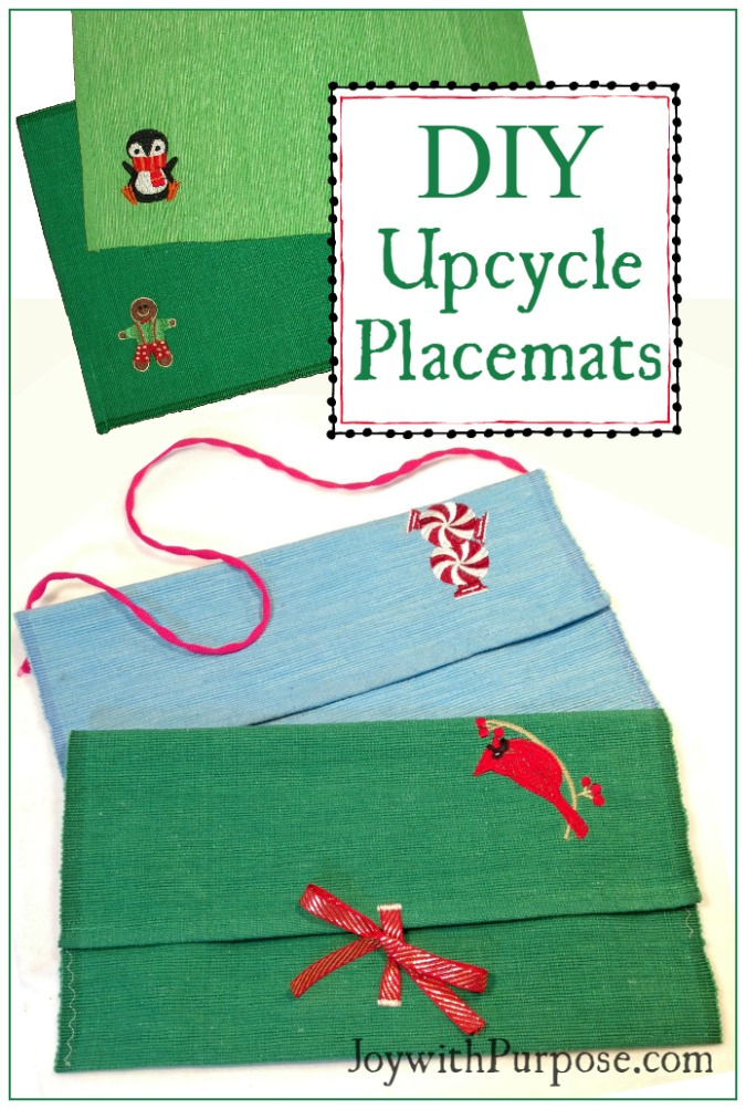 Upcycle placemats into great totebags and clutch bags